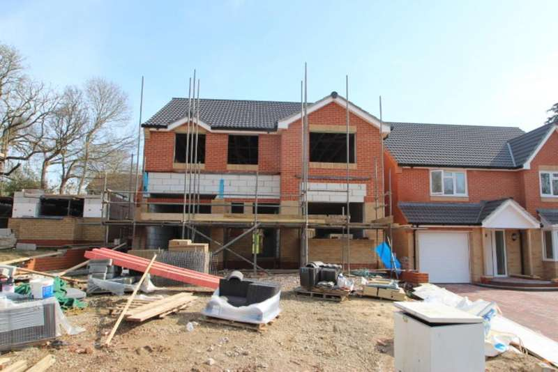 5 Bedrooms Detached House for sale in Hooke Close, Freshwater