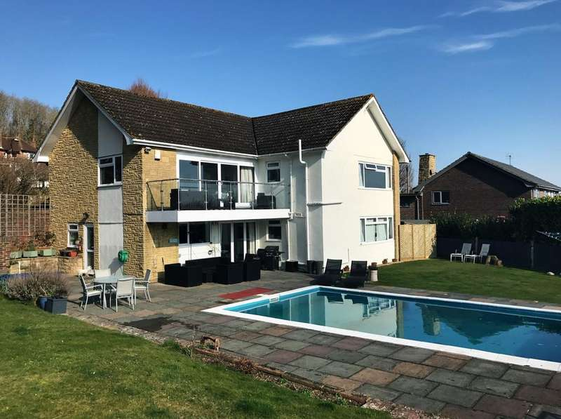 4 Bedrooms Detached House for sale in Pashley Road, Eastbourne, BN20