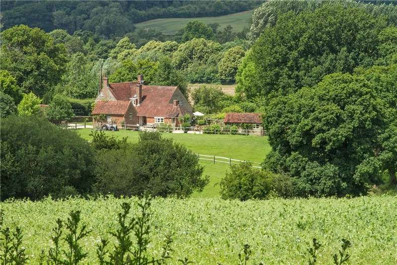 5 Bedrooms Detached House for sale in Coombelands Lane, Pulborough, West Sussex, RH20