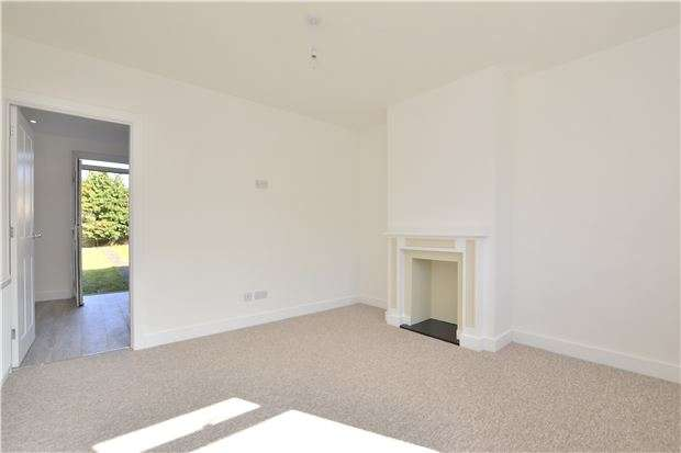 3 Bedrooms Semi Detached House for sale in Wansdyke Road, BATH, Somerset, BA2 2TG