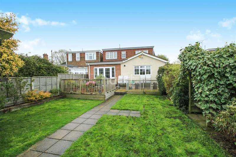 4 Bedrooms Semi Detached House for sale in Watlington Road, South Benfleet