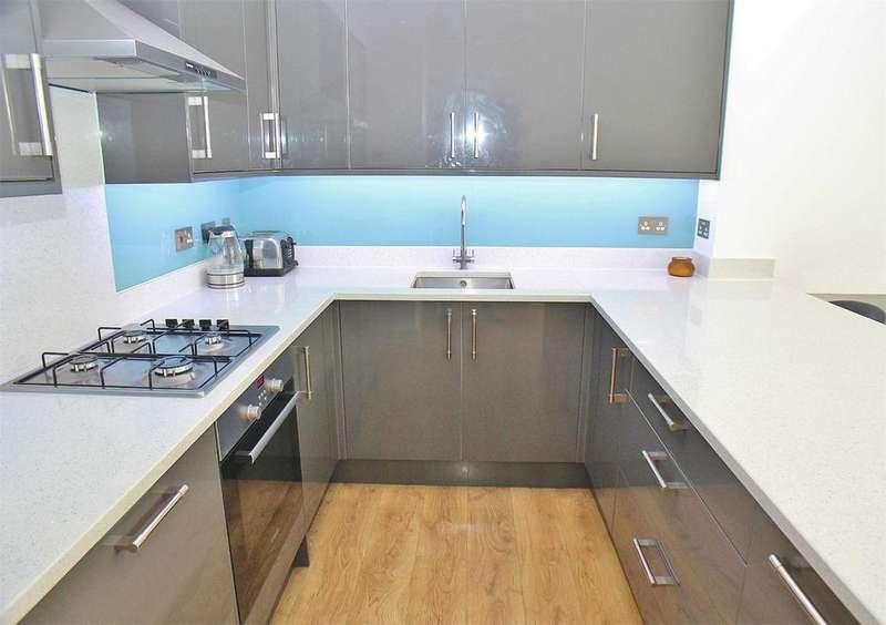 2 Bedrooms Flat for sale in Manor Road, Beckenham