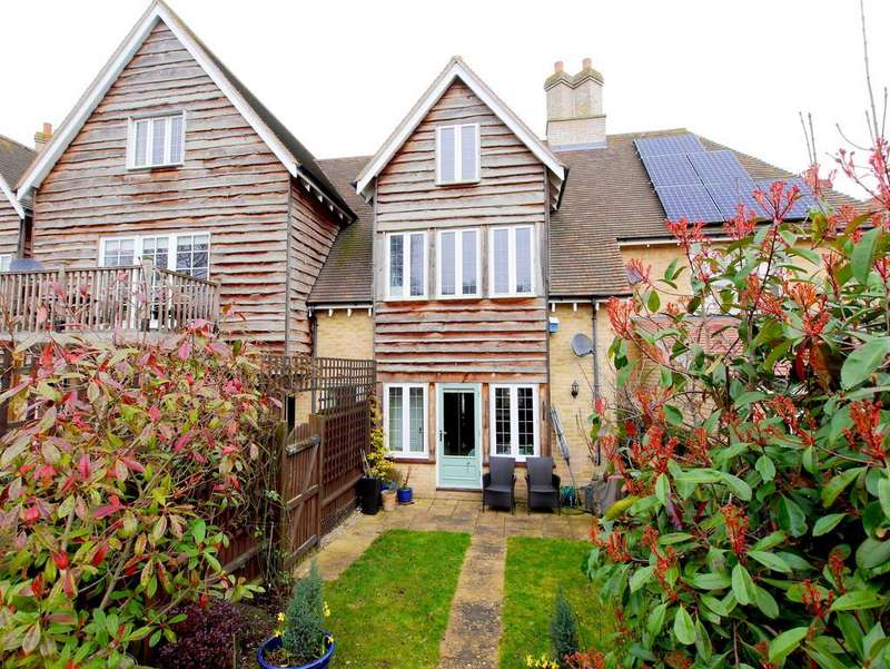 3 Bedrooms Town House for sale in Serin House, 19 Black Barn Close, Somersham, Suffolk, IP8 4PX