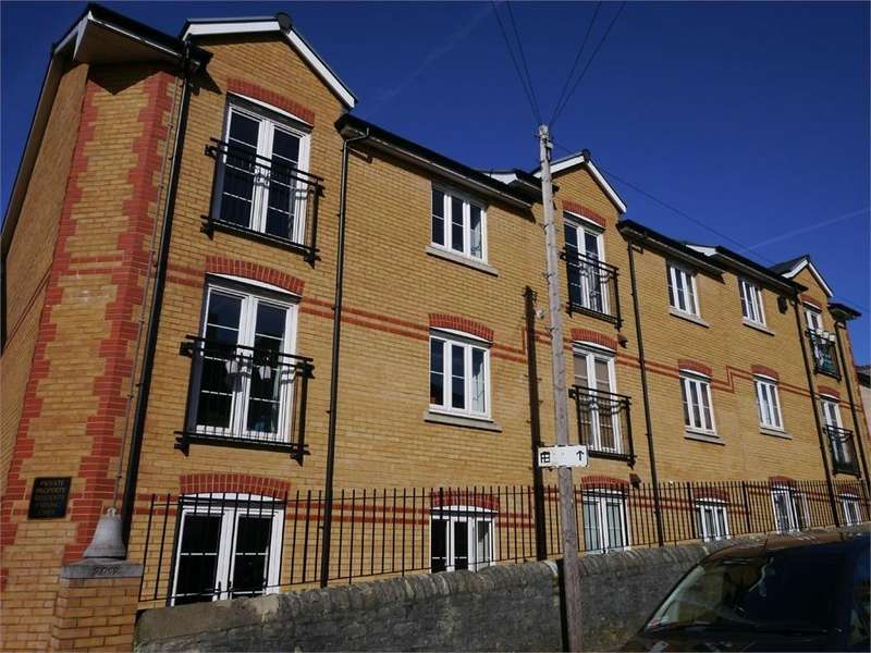 2 Bedrooms Flat for sale in High Street, Penarth