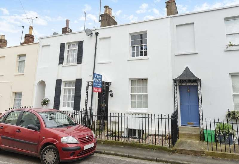 2 Bedrooms Terraced House for sale in St Lukes