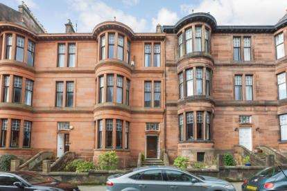 3 Bedrooms Flat for sale in Beaumont Gate, Dowanhill