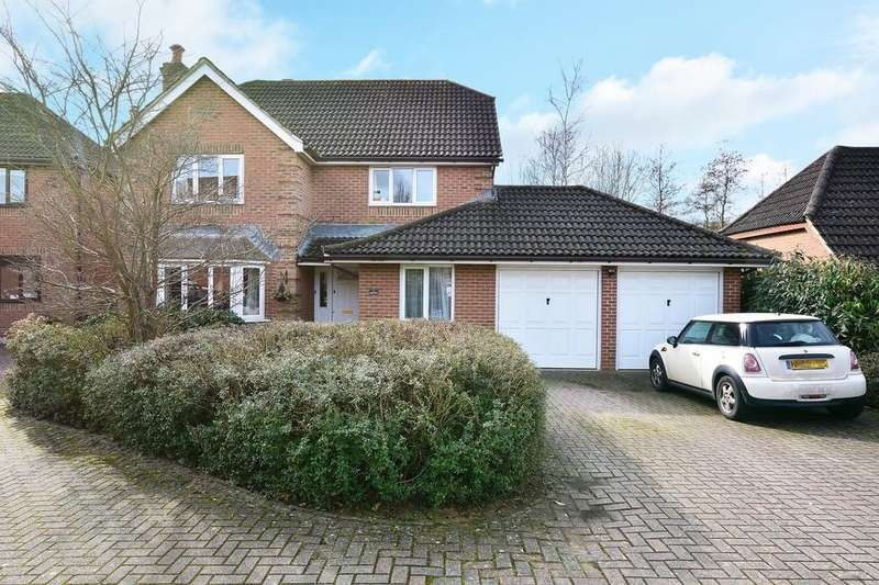 4 Bedrooms Detached House for sale in Gatley Drive, Guildford