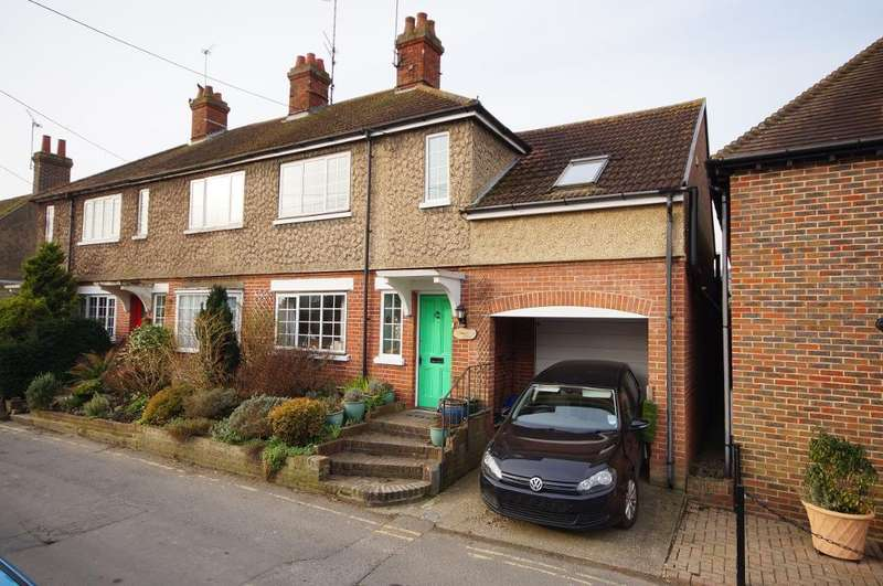 3 Bedrooms End Of Terrace House for sale in White Horse Square, Steyning, West Sussex, BN44 3GQ