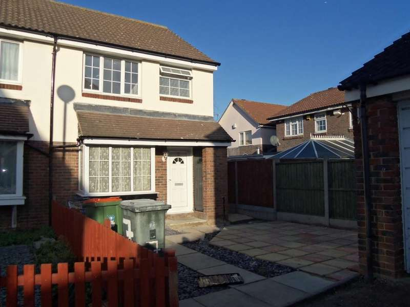 3 Bedrooms Semi-detached Villa House for sale in Vanbrugh Close, London, E16