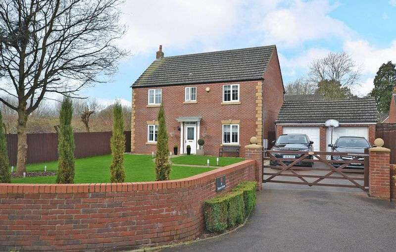 4 Bedrooms Detached House for sale in Stunning Executive House, Pencarn Avenue, Newport