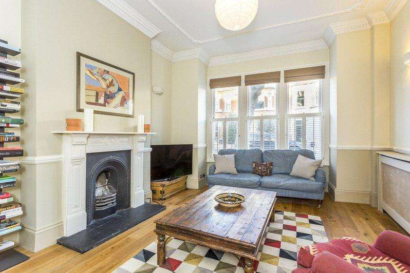 2 Bedrooms Apartment Flat for sale in Kyrle Road, London, SW11