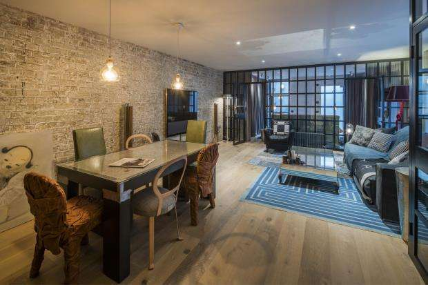 2 Bedrooms Mews House for sale in Rochester Place, London, NW1