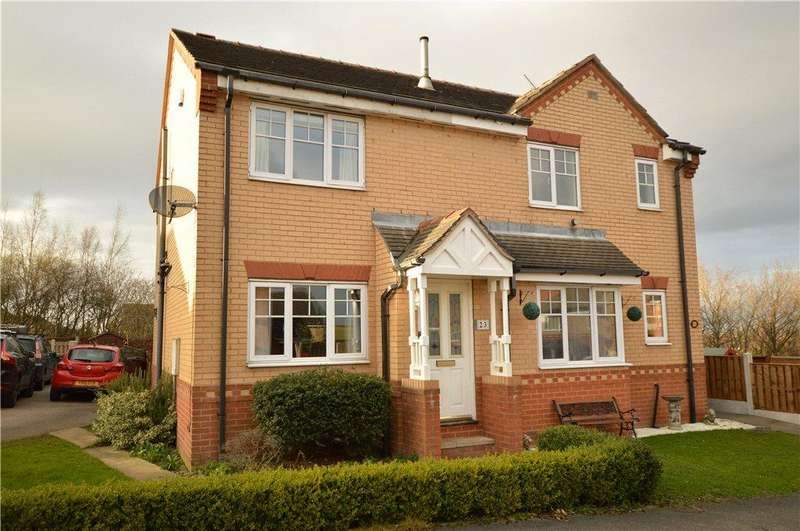 2 Bedrooms Semi Detached House for sale in Pipit Meadow, Morley, Leeds
