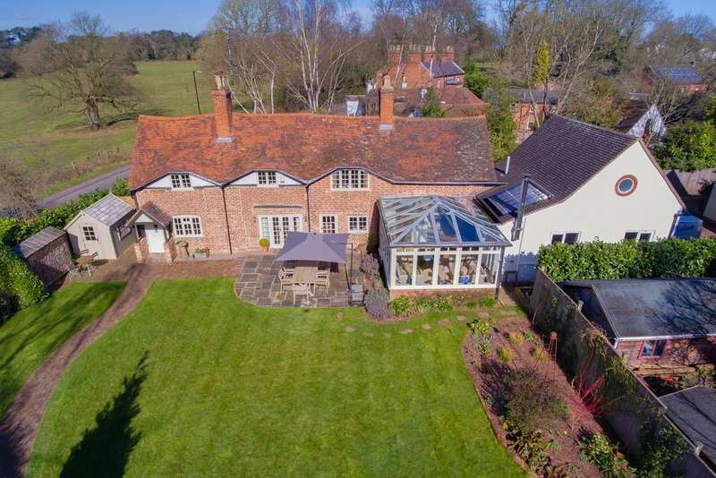 4 Bedrooms Cottage House for sale in Kenilworth