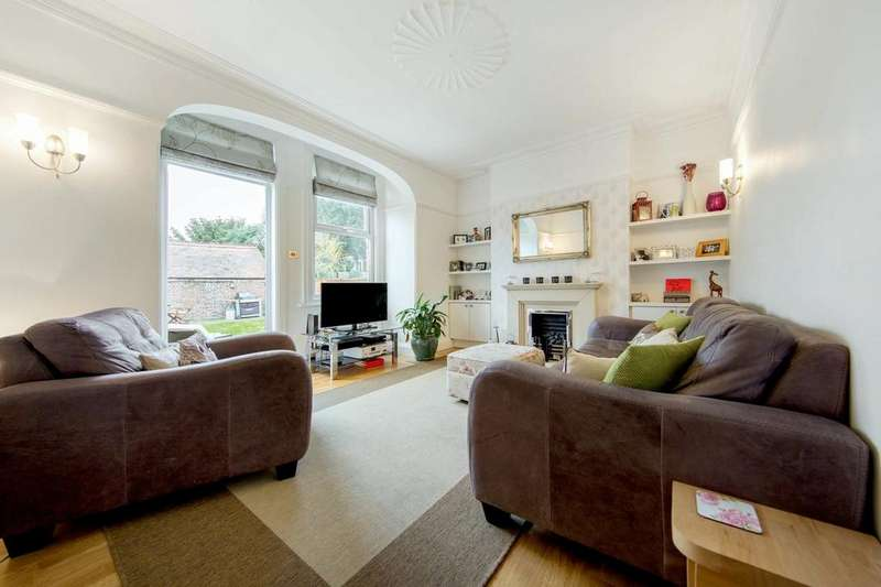 3 Bedrooms Flat for sale in Leigham Court Road, SW16