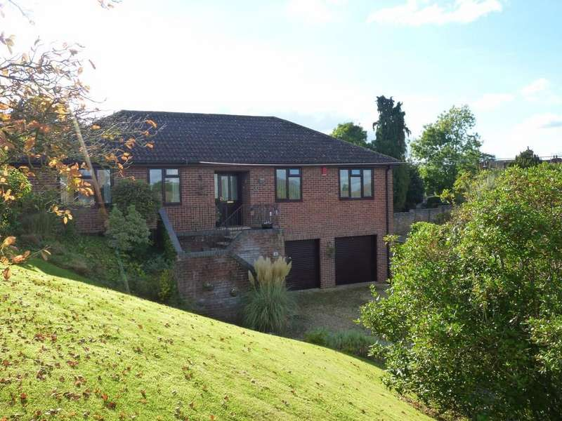 3 Bedrooms Detached House for sale in Hospital Road, Westbury
