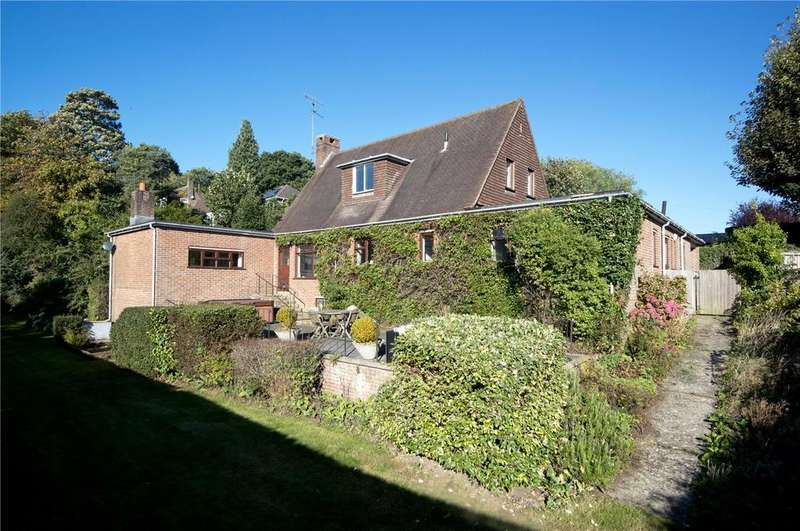 3 Bedrooms Detached House for sale in Trotts Lane, Westerham, Kent, TN16