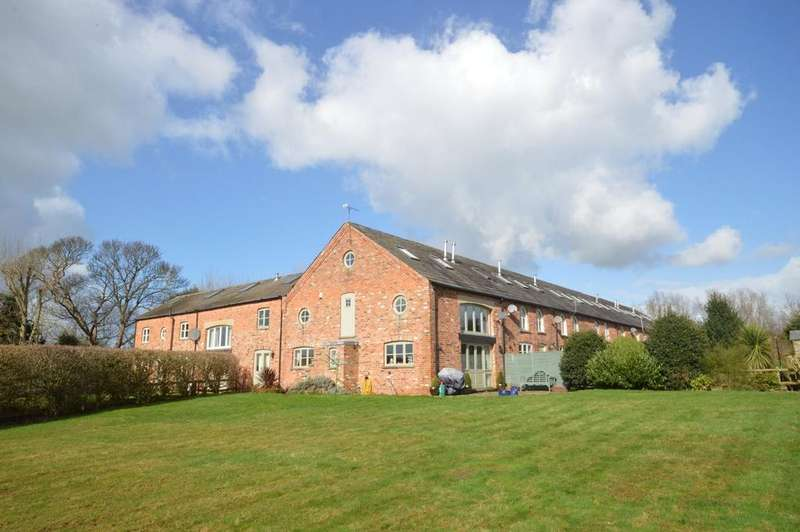 5 Bedrooms Mews House for sale in Dutton Hall Court, Northwich Road, Dutton, Warrington