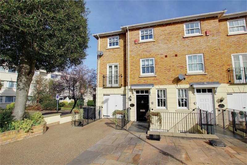 4 Bedrooms Semi Detached House for sale in The Regency, Palmerston Road, Buckhurst Hill, Essex