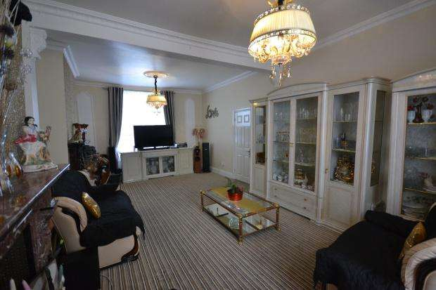 5 Bedrooms Terraced House for sale in Knights Hill, London, SE27