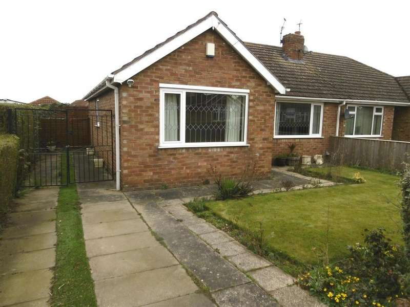 3 Bedrooms Semi Detached Bungalow for sale in St. Johns Road, Humberston, Grimsby