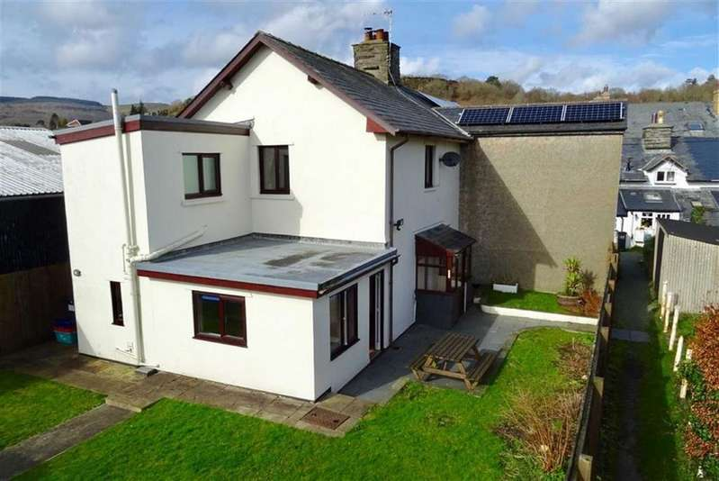 3 Bedrooms Semi Detached House for sale in 92, Heol Maengwyn, Machynlleth, Powys, SY20