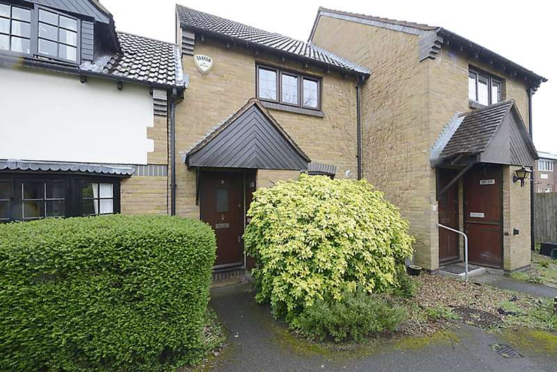 2 Bedrooms Terraced House for sale in Hunting Gate Mews, Twickenham, Middlesex, TW2