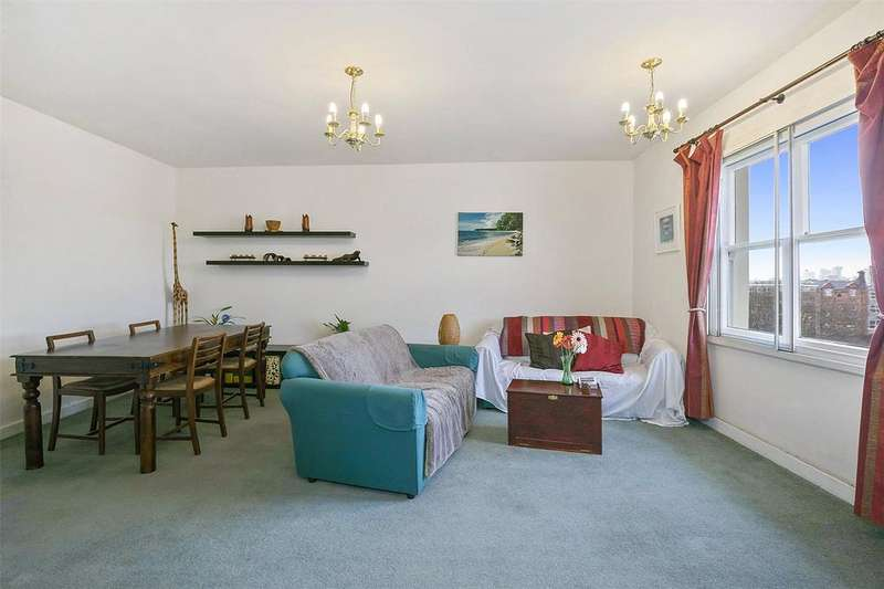 2 Bedrooms Flat for sale in Camden Road, London, NW1