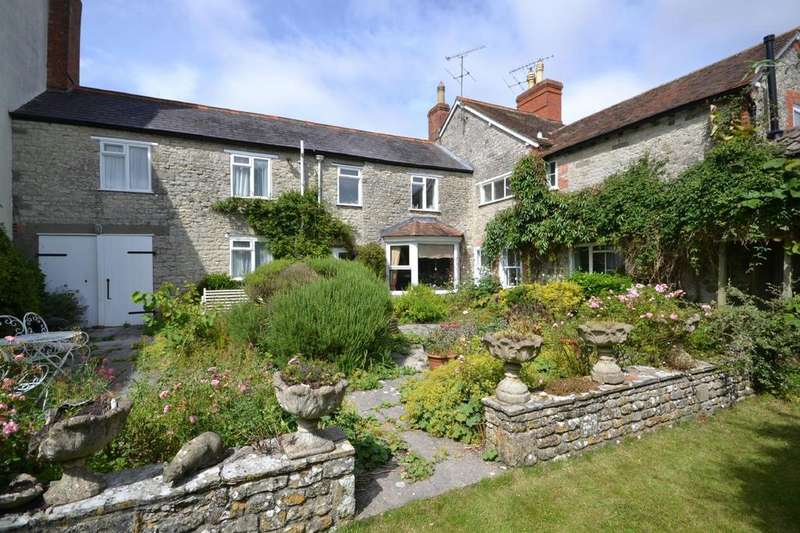 4 Bedrooms Terraced House for sale in Church Street, Mere, Warminster, Wiltshire, BA12