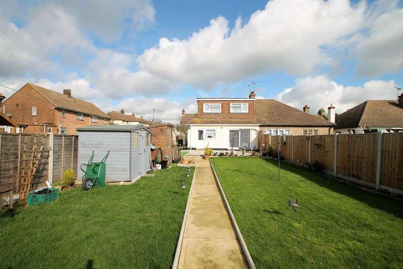 4 Bedrooms Bungalow for sale in Queen Elizabeth Chase, Rochford