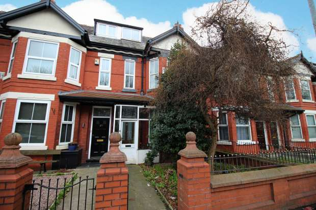 4 Bedrooms Terraced House for sale in Princess Road, Manchester, Greater Manchester, M14 7LZ