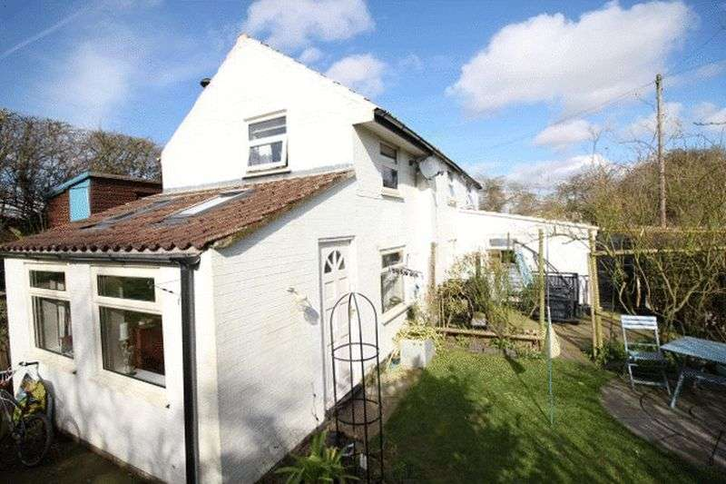 2 Bedrooms Cottage House for sale in Dams Lane, Belchford