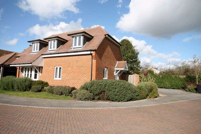 3 Bedrooms Detached House for sale in Eden Place, Emsworth
