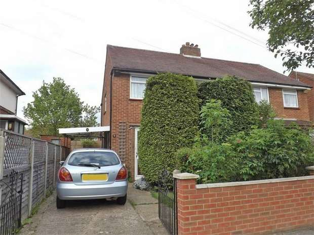 3 Bedrooms Semi Detached House for sale in Rushdene Crescent, Northolt, Greater London