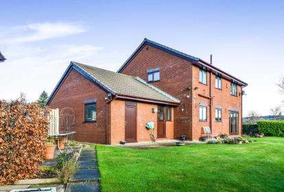 4 Bedrooms Detached House for sale in Towneley Close, Lancaster, Lancashire, ., LA1