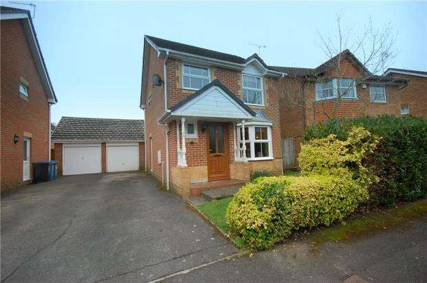 3 Bedrooms Detached House for sale in Broadstone, Poole, Dorset, BH18