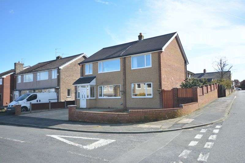4 Bedrooms Detached House for sale in Essex Road, Rishton