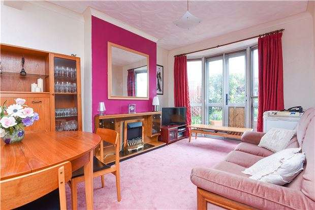 3 Bedrooms Terraced House for sale in Stanley Road, Mitcham, Surrey, CR4