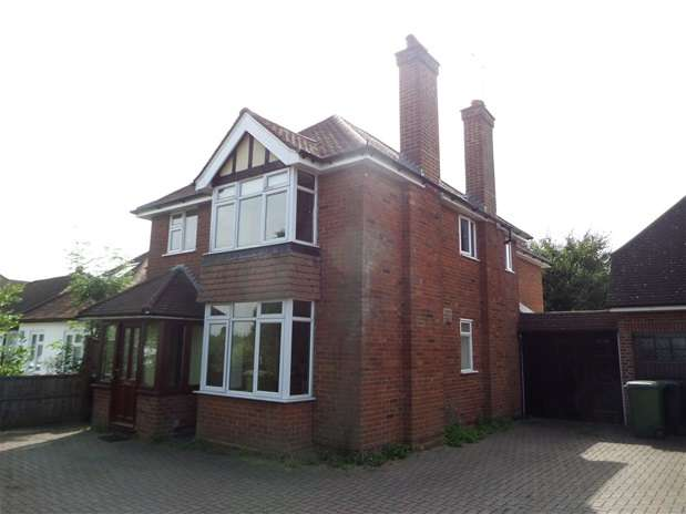 4 Bedrooms Detached House for sale in Harpenden Lane, Redbourn, Redbourn