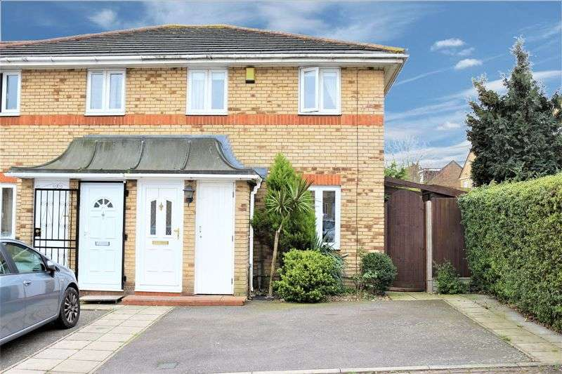 2 Bedrooms Terraced House for sale in Lymington Close, London
