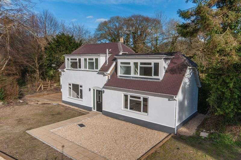 3 Bedrooms Cottage House for sale in East Stoke