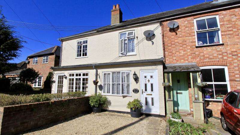 2 Bedrooms Terraced House for sale in Nags Head Lane, Great Missenden HP16
