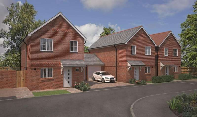 3 Bedrooms Semi Detached House for sale in The Lawns, Brackenbury, Andover