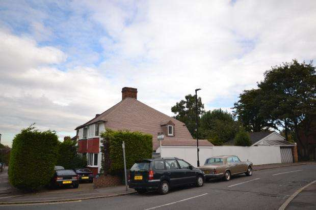 3 Bedrooms Semi Detached House for sale in Greenhurst Road, West Norwood, London, SE27