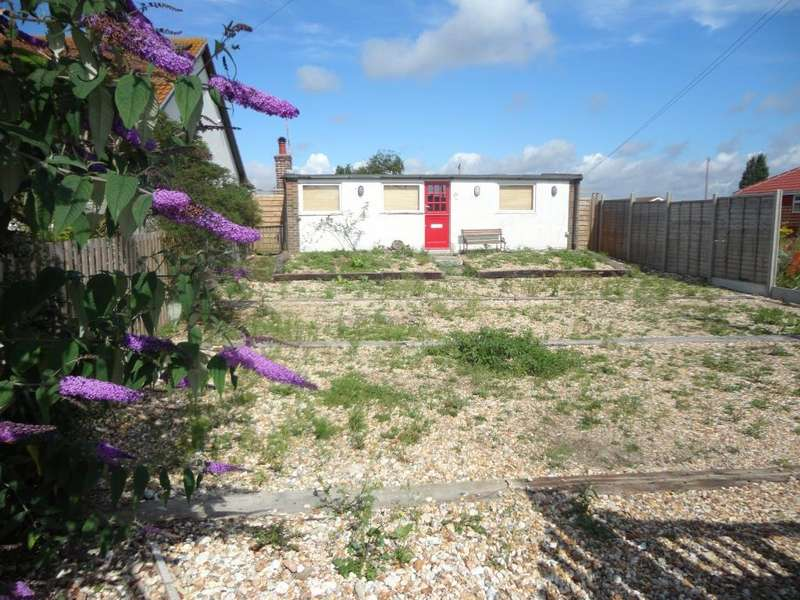 4 Bedrooms Bungalow for sale in Harbour Road, Pagham