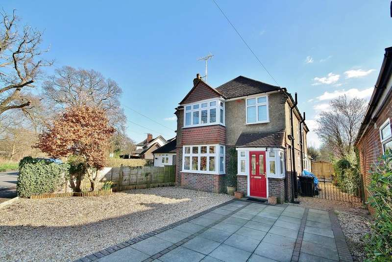 3 Bedrooms Detached House for sale in Mayford, Woking