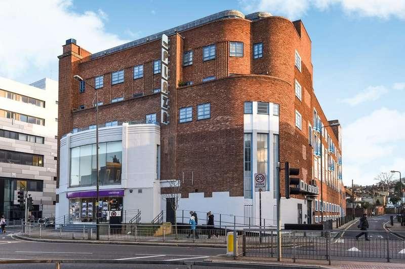 2 Bedrooms Flat for sale in The Plaza Vanbrugh Hill SE10