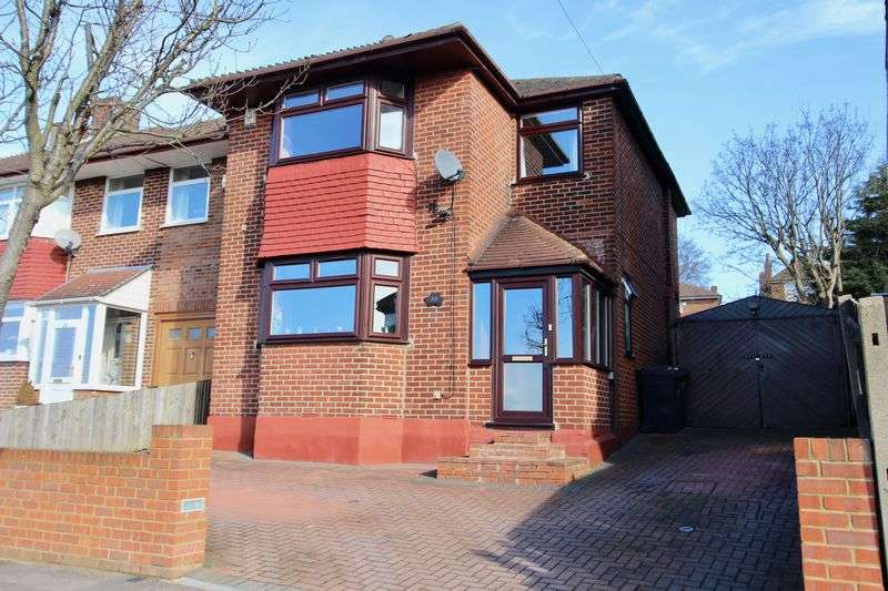 3 Bedrooms Detached House for sale in Dale Park Road, Upper Norwood, London SE19