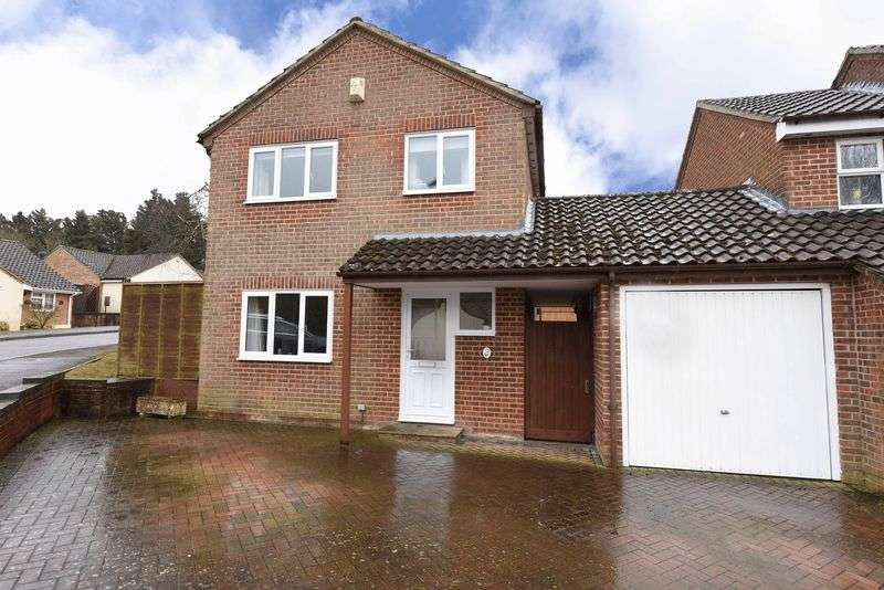 4 Bedrooms House for sale in Sandford Close, Kingsclere