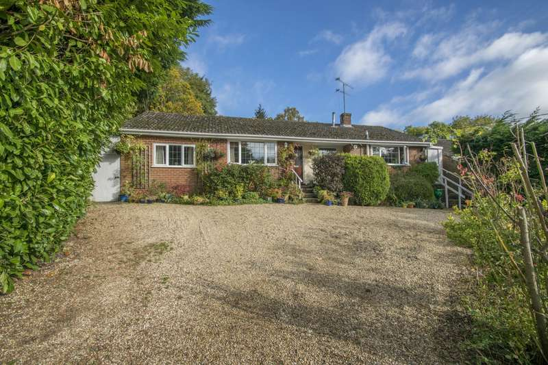 4 Bedrooms Detached Bungalow for sale in Green Lane, Woodcote, Reading, RG8